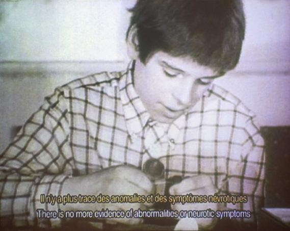 Christoph Keller. Retrograd: A reverse chronology of the medical films made at the Berlin hospital Charité, 1999-2000. Cortesía del artista y de Esther Schipper Gallery, Berlín