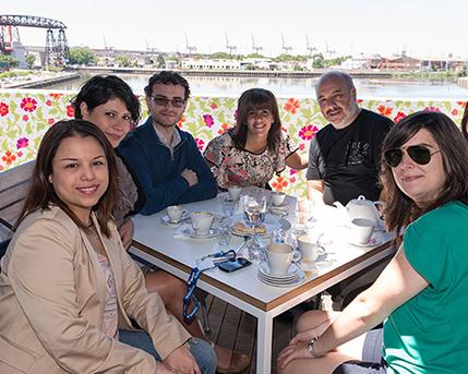 Montserrat Hernandez, Thelma de Mesa, Juan Cruz Andrada, Cecilia Jaime, Jorge González Perrin, Carolina Andrada y Claudia Salcedo