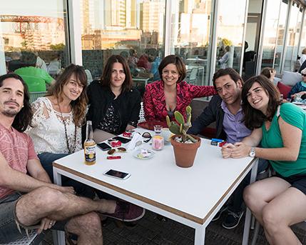 Patricio Guillamón, Lucía Ledesma, Elizabeth Torres, Victoria Dotti, Federico Alonso y Claudia Salcedo