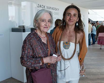 Cristina Martínez y Valentina Vanarsky
