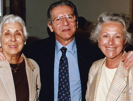 Sergio Einaudi con amigas
