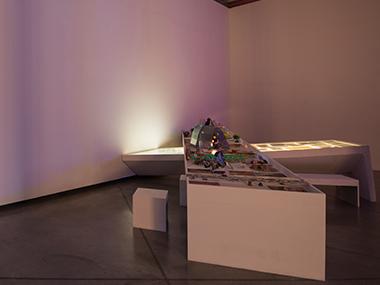 Sala 2-Automedida, 2011-2014 / Ingeniería invertida de la Máquina de Euforía, 2008