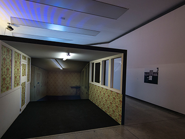 Sala 3-Activo y Pasivo, 2014 / Pregúntele al de al lado, 2012