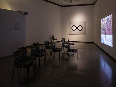 Sala 3-Lemniscate Pantone, 2012 / El capital de la acumulación, 2010