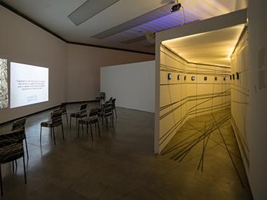 Sala 3-El capital de la acumulación, 2010 / Pregúntele al de al lado, 2012